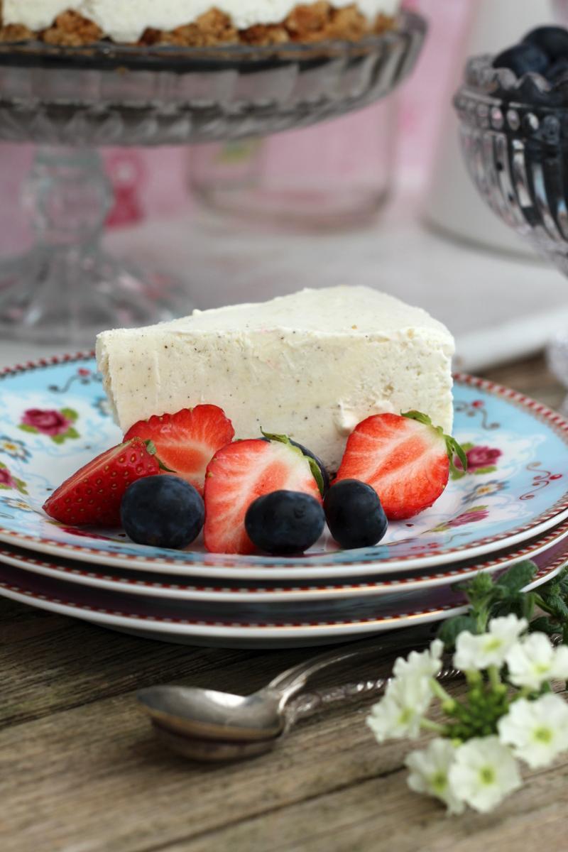 Cheesecake med jordgubbar – årets fika till morsdag