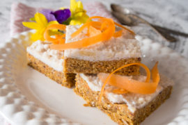 Raw morotskaka – glutenfri, mjölkfri, vegan