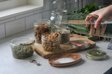 blötlägga nötter frö
