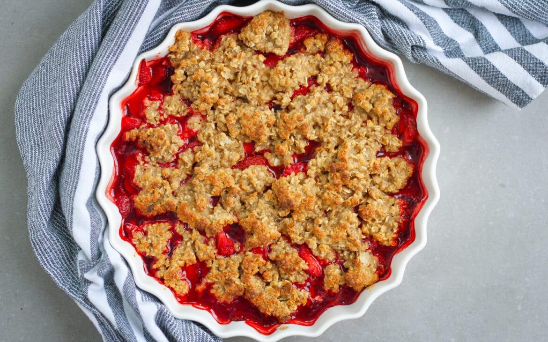 Glutenfri smulpaj med jordgubbar